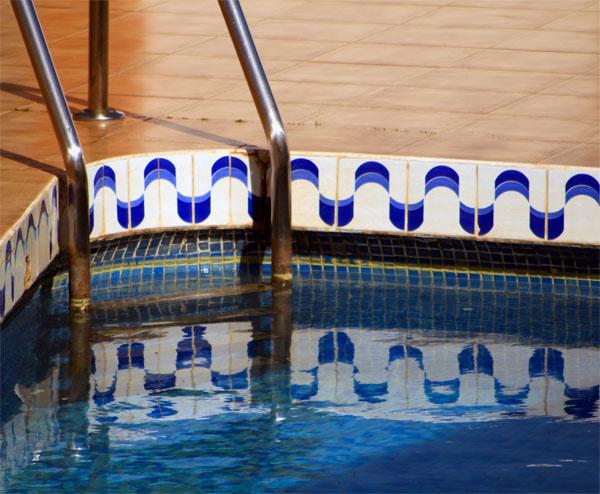 piscina-mare-soare-baie
