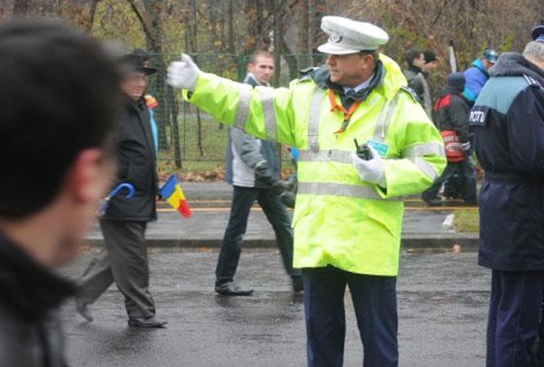 politist-intersectie-circulatie