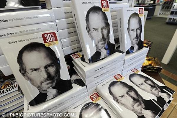 steve-jobs-carte-biografie