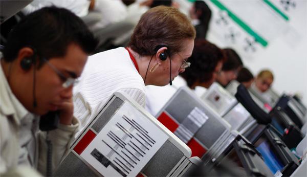 telecomunicatii-call-center-angajati