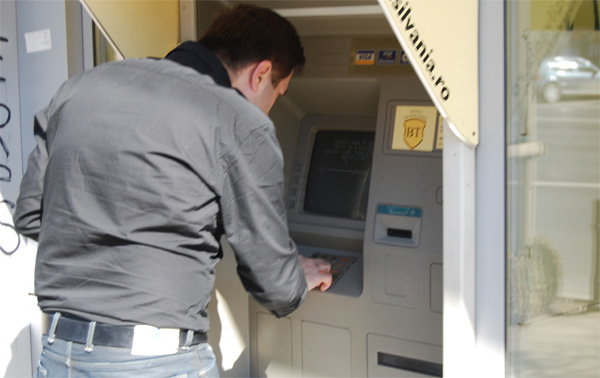 bancomat-bani-cod-pin