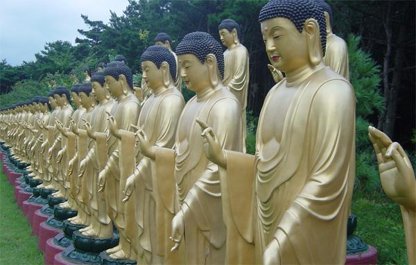 statuete-aur-coreea-de-nord