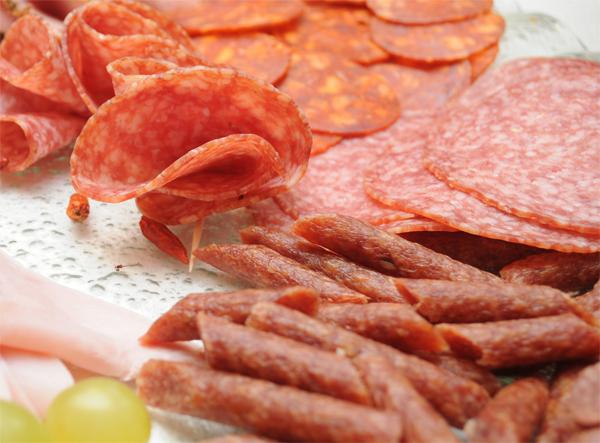 mezeluri-carne-carnati