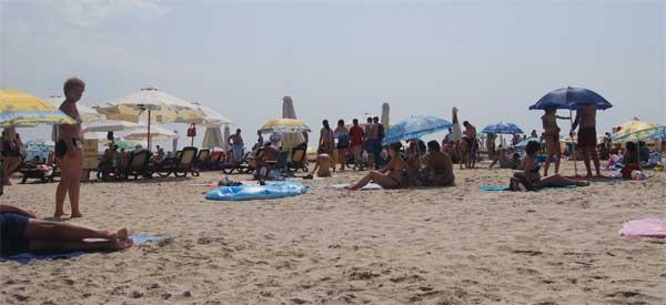 plaja-mare-turism-arhivafoto